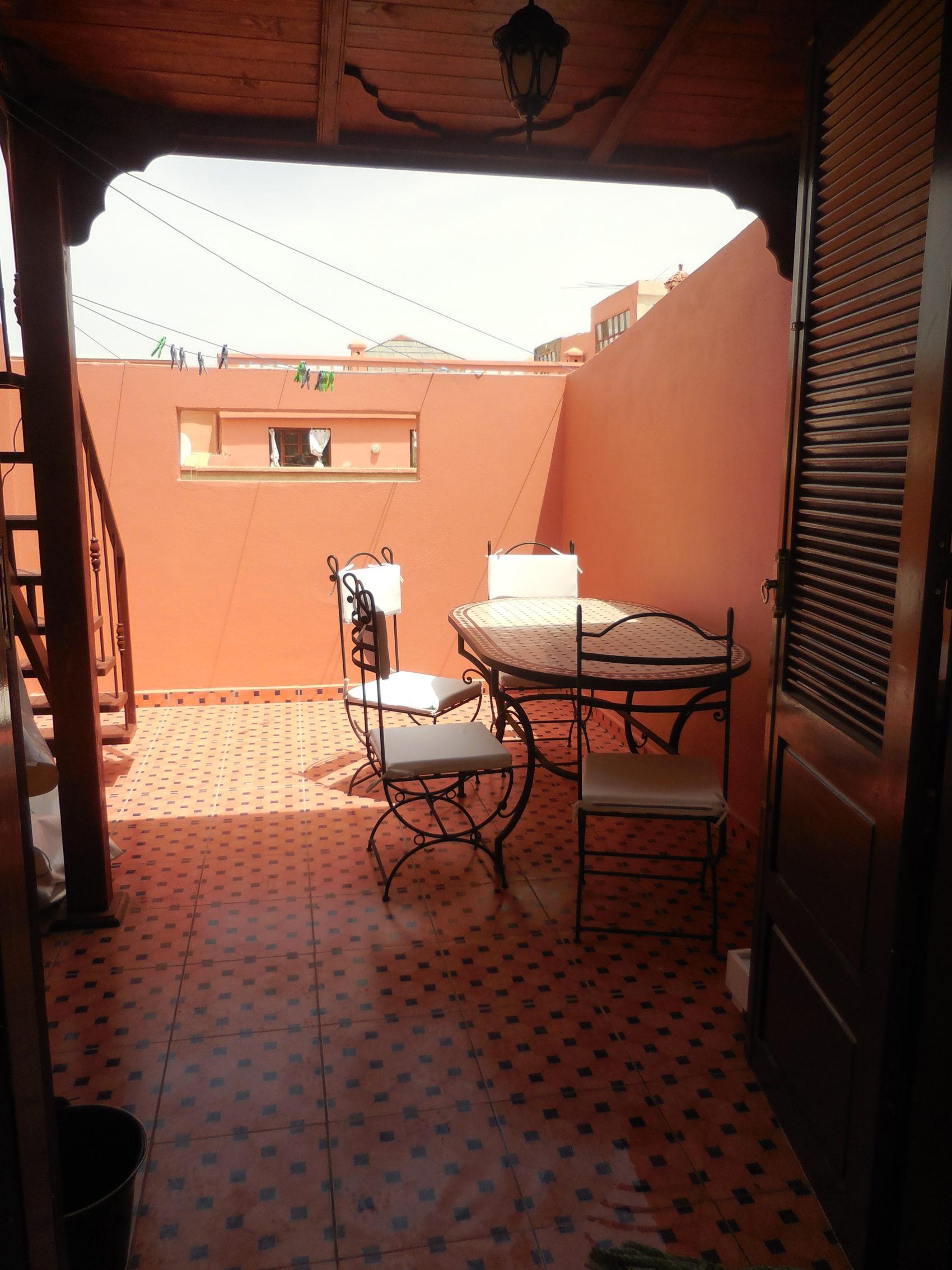 kleine Terrasse unten